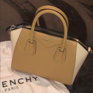 Givenchy Bags - GIVENCHY Borsa DO Antigona Bag